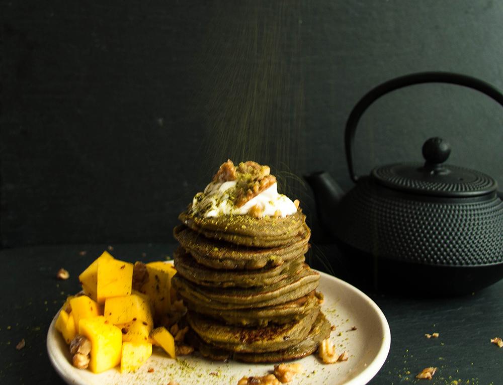 Green like matcha coconut pancakes - Lea Lou