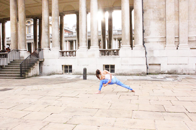 extended-side-angle-the-beauty-of-yoga-lea-lou