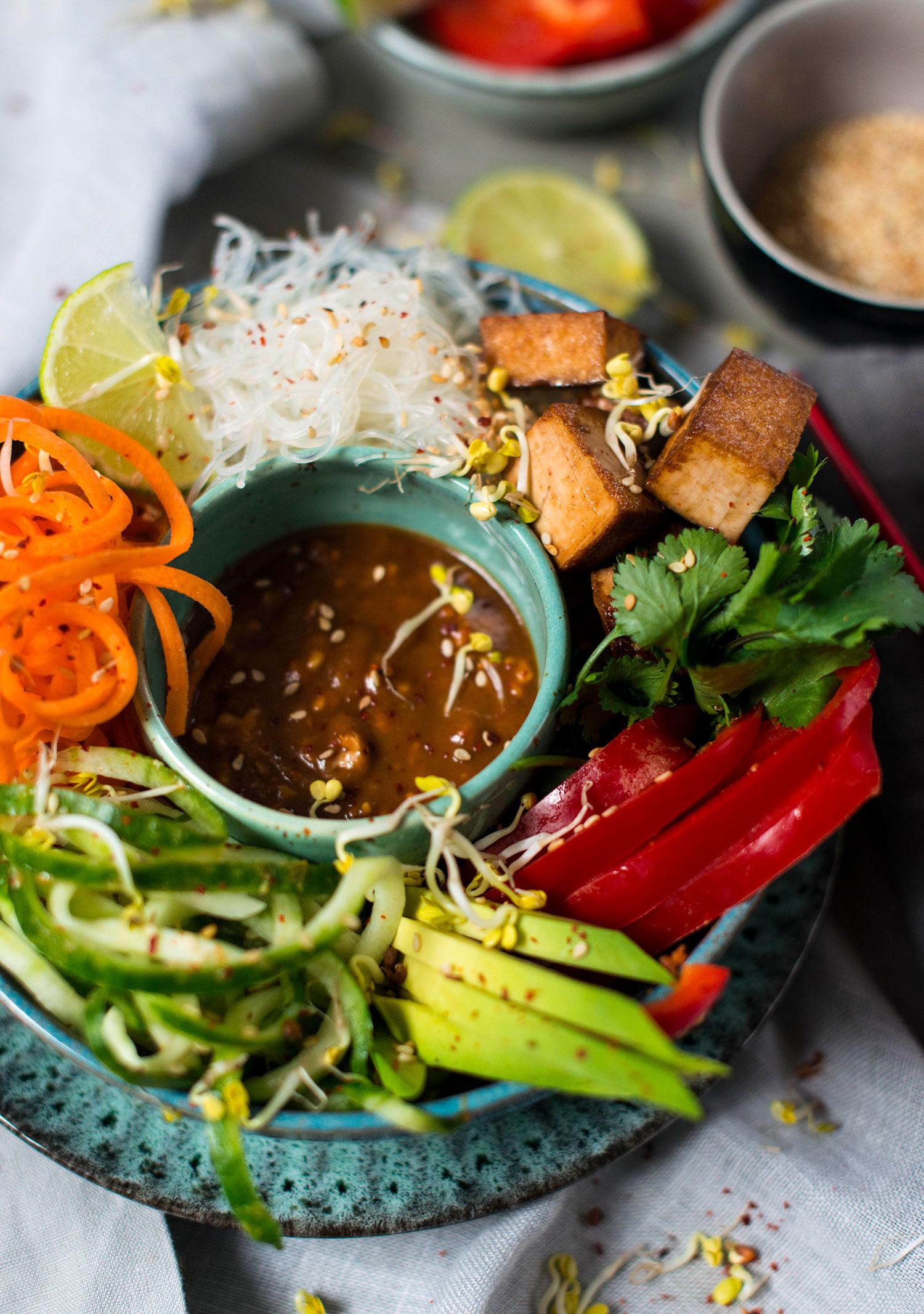 Vegan-summer-roll-bowl-lea-lou-1