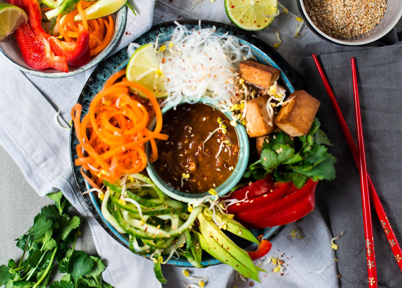 Vegan-summer-roll-bowl-lea-lou