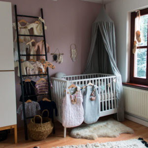 37 weeks pregnant: Nursery, baby layette and a general pregnancy update